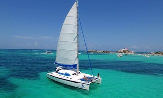 53' Cruising Catamaran For Charter in Cancún, Mexico For 55 Persons