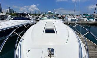 Beautiful Luxury Cruiser 40' Sea Ray Sundancer for Charter in Chicago