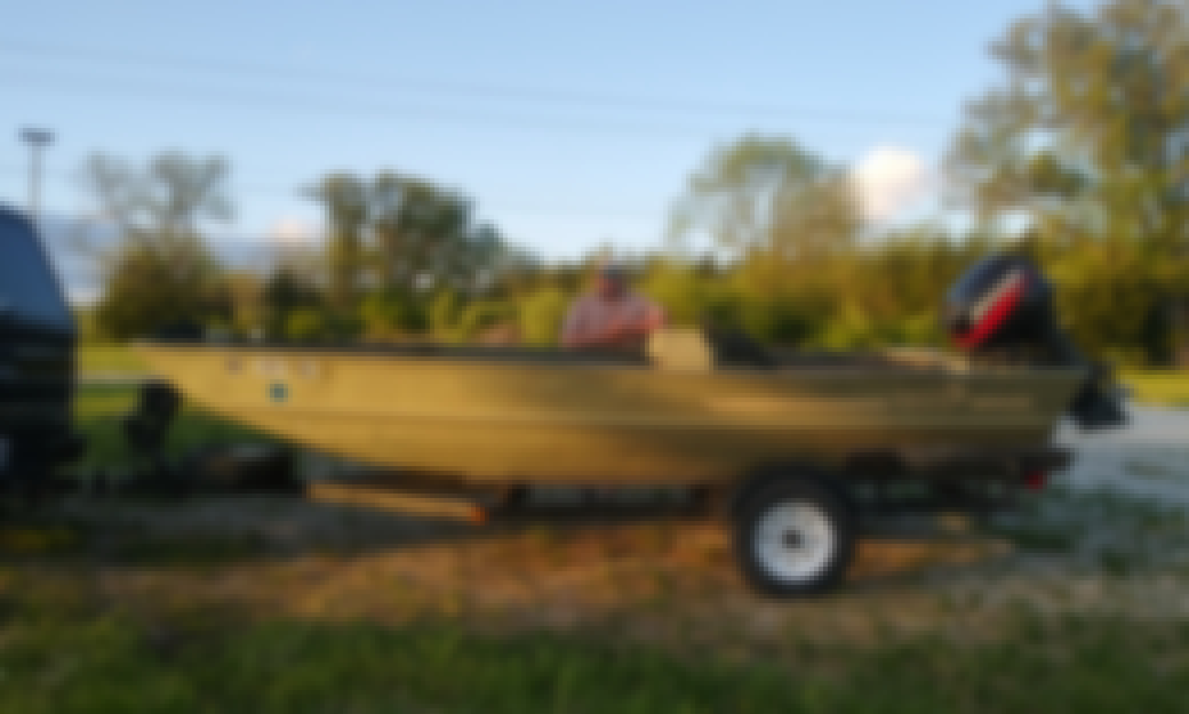 LOWE Big River Power Boat for Rent and Fishing in Lee's Summit