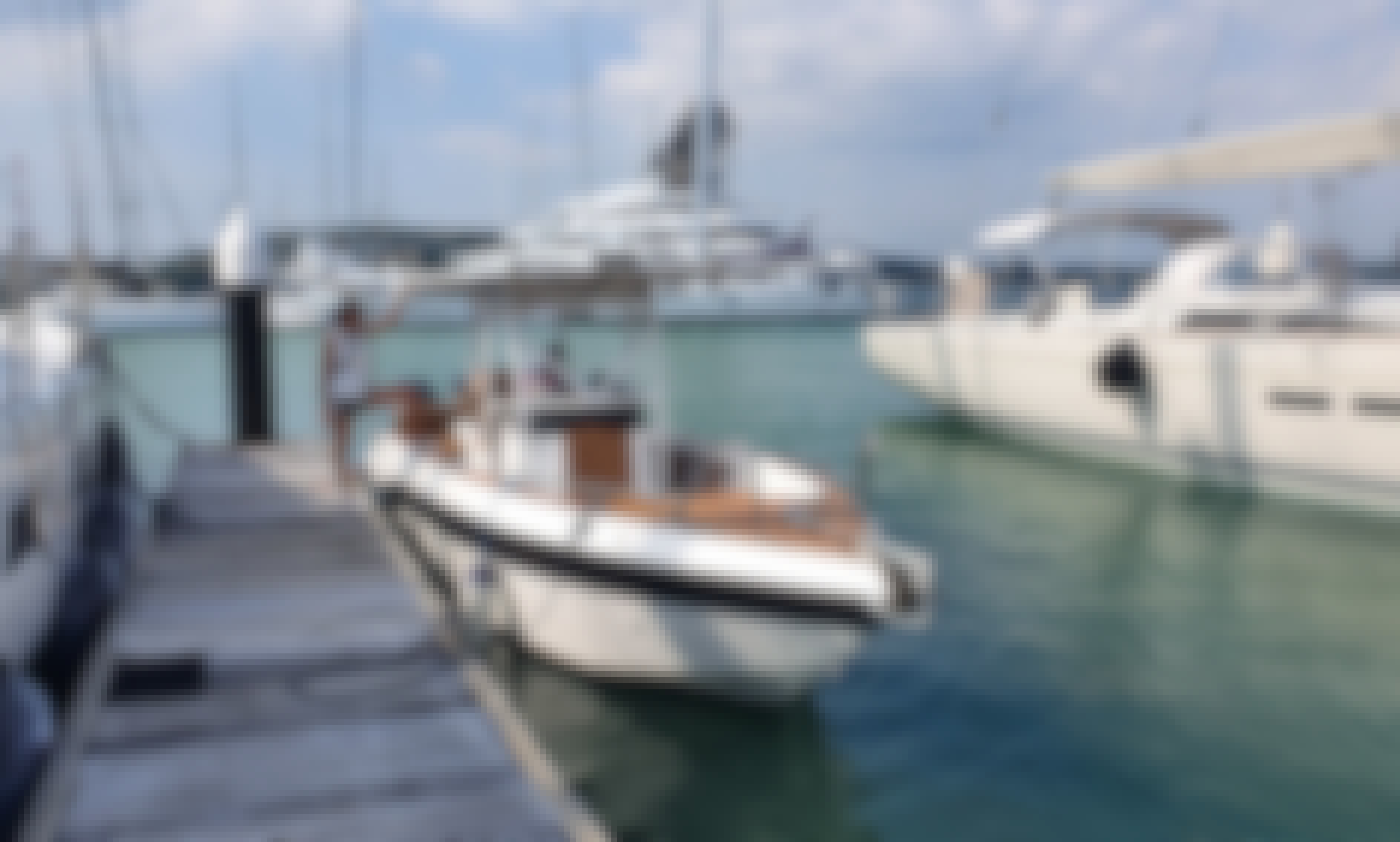 Cruise Phuket and the Andaman Sea with our beautiful 31 Center Console Speed Cruiser