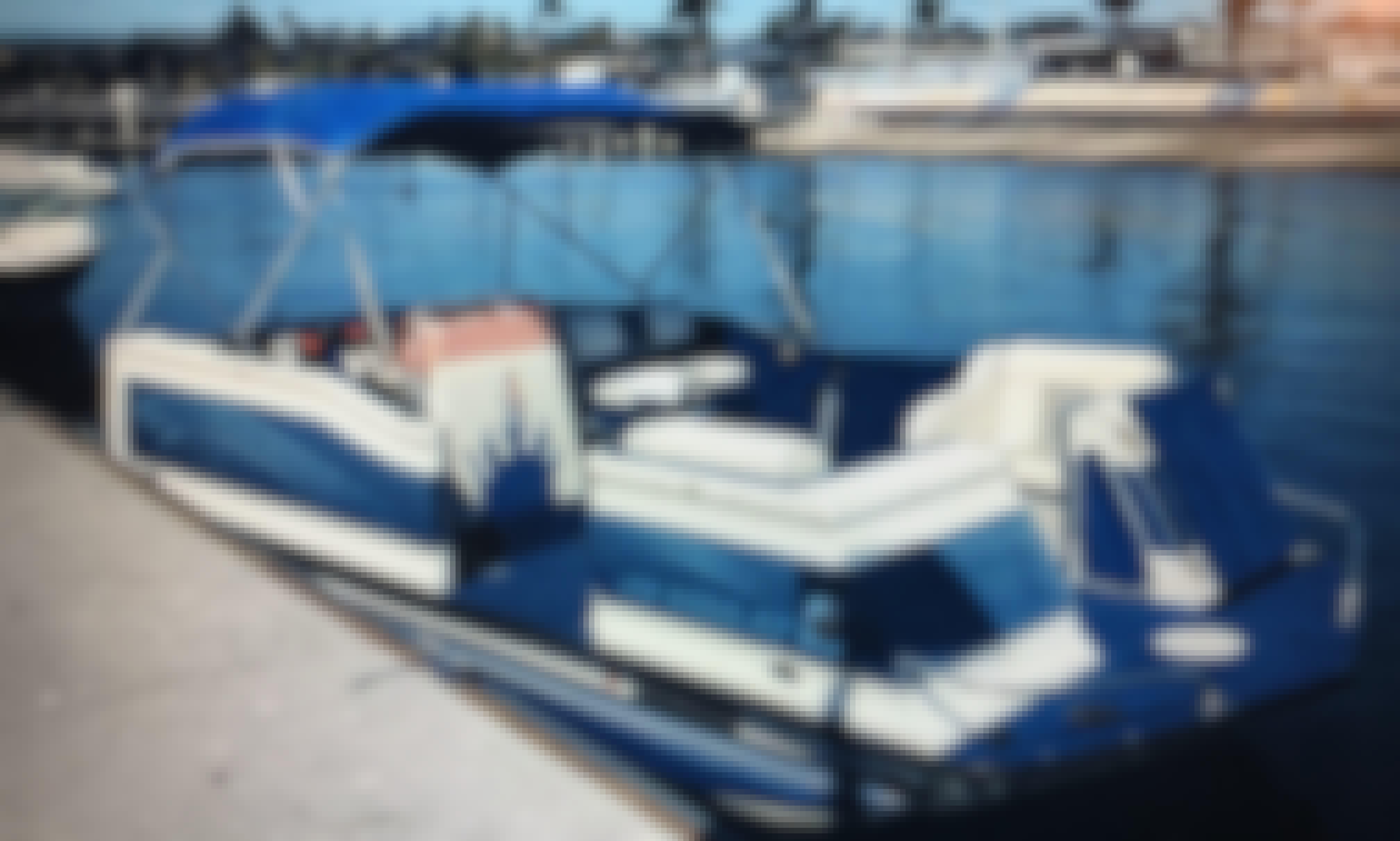20' Ozark Deck Boat for Charter in Las Vegas