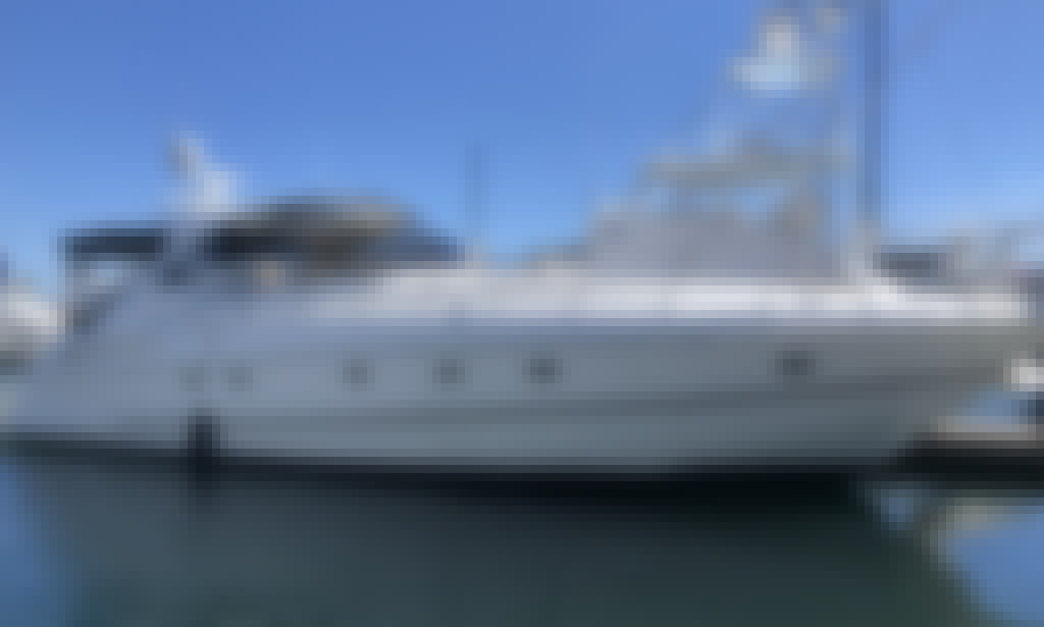 Enjoy our 54' Cruiser Yacht Huntington/Newport for up to 12 Guests