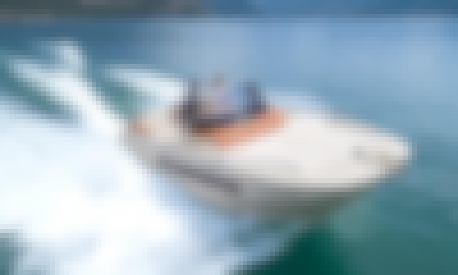 Rent the Italian Design Invictus 240 CX Powerboat in Roses - Costa Brava