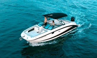 Drive A Sea Ray 270 Powerboat In Roses
