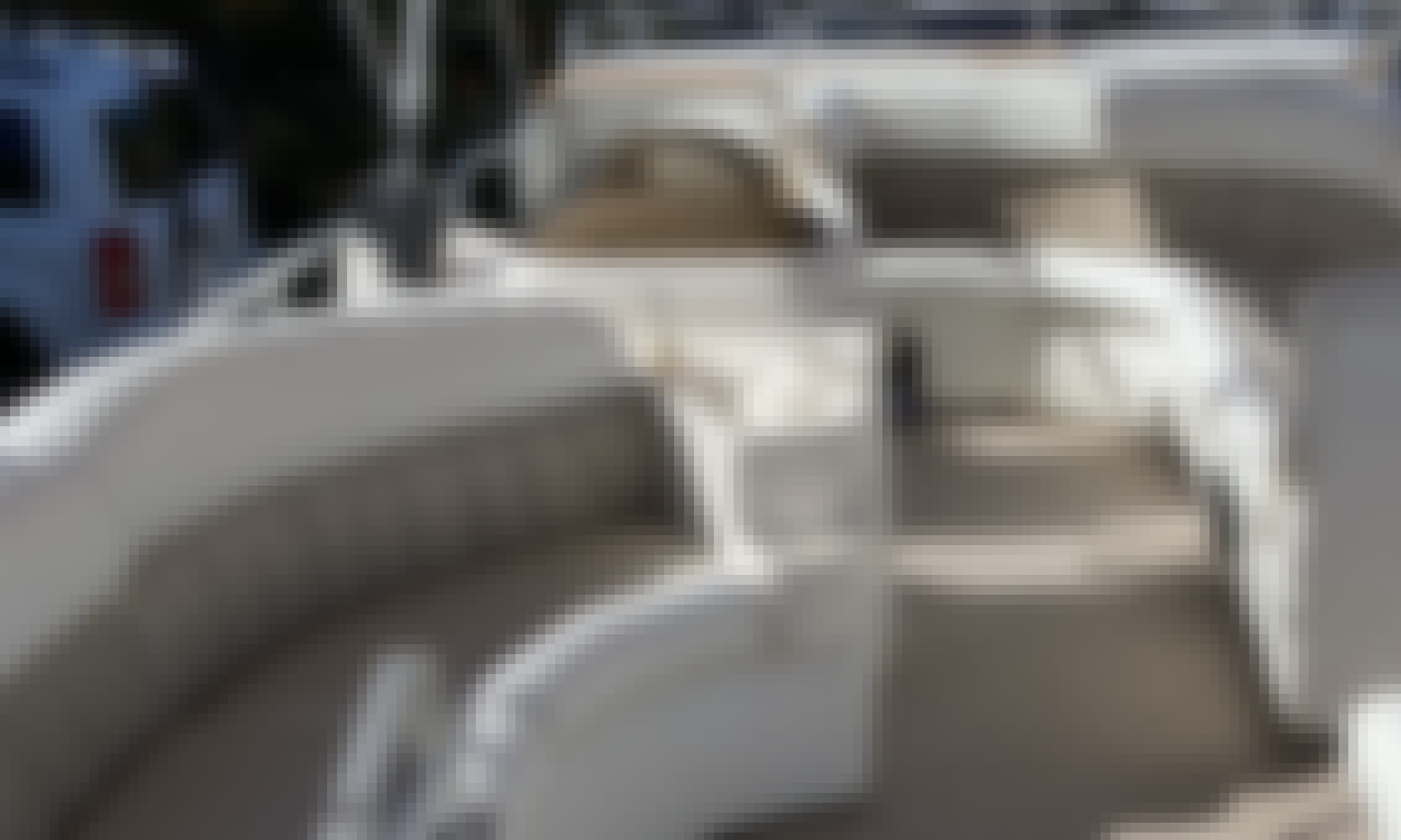 Perfect Pontoon 24' in Mission Bay w/toys!