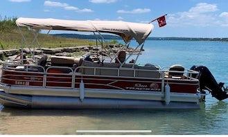 **2021 Super Owner** Brand New 22' Sun Tracker Pontoon on Canyon Lake