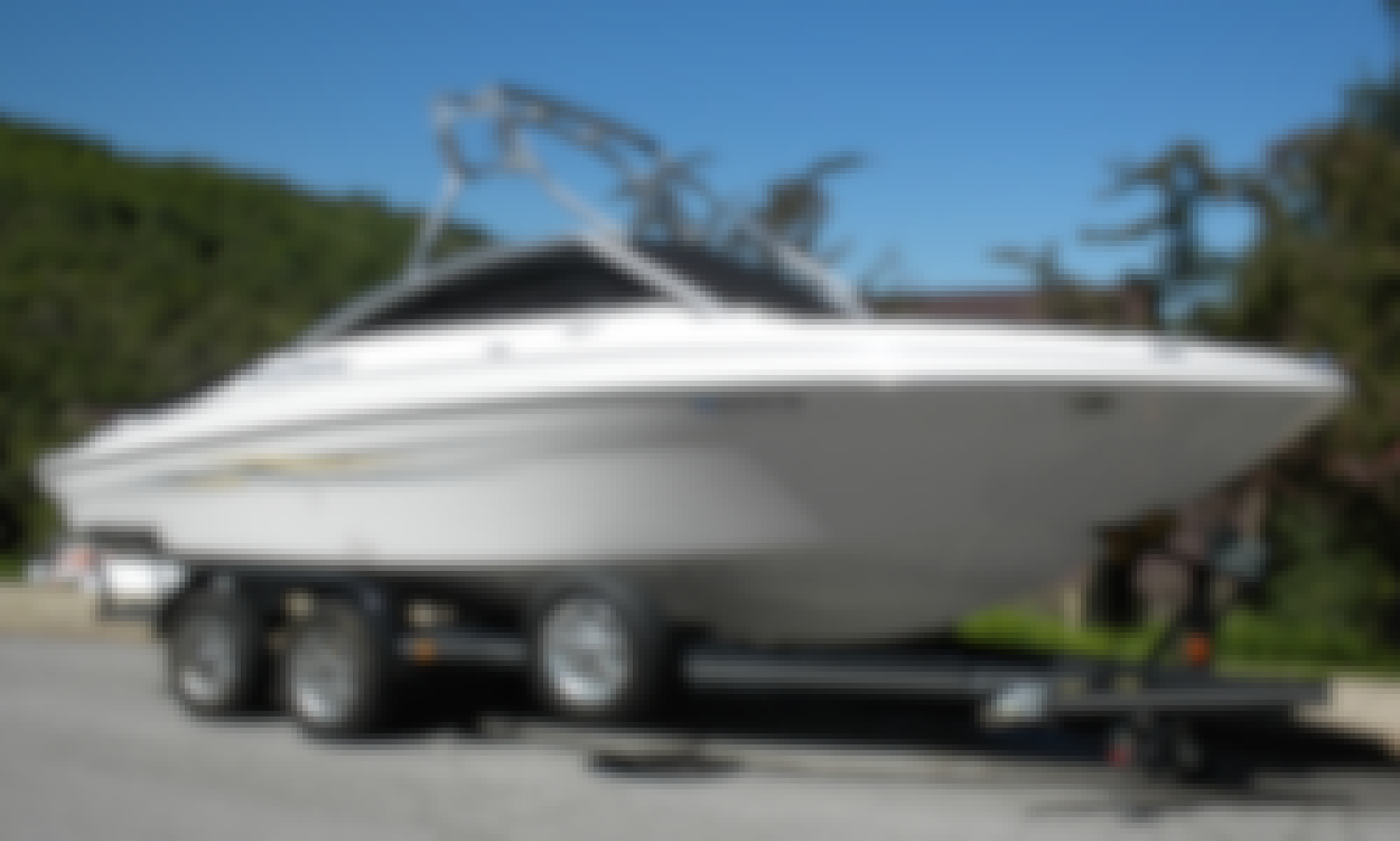Four Winns Powerboat for Rent or Charter in Bountiful
