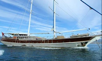 Sailing Turkish Gulet for 30 Passengers Ready to Book in Muğla