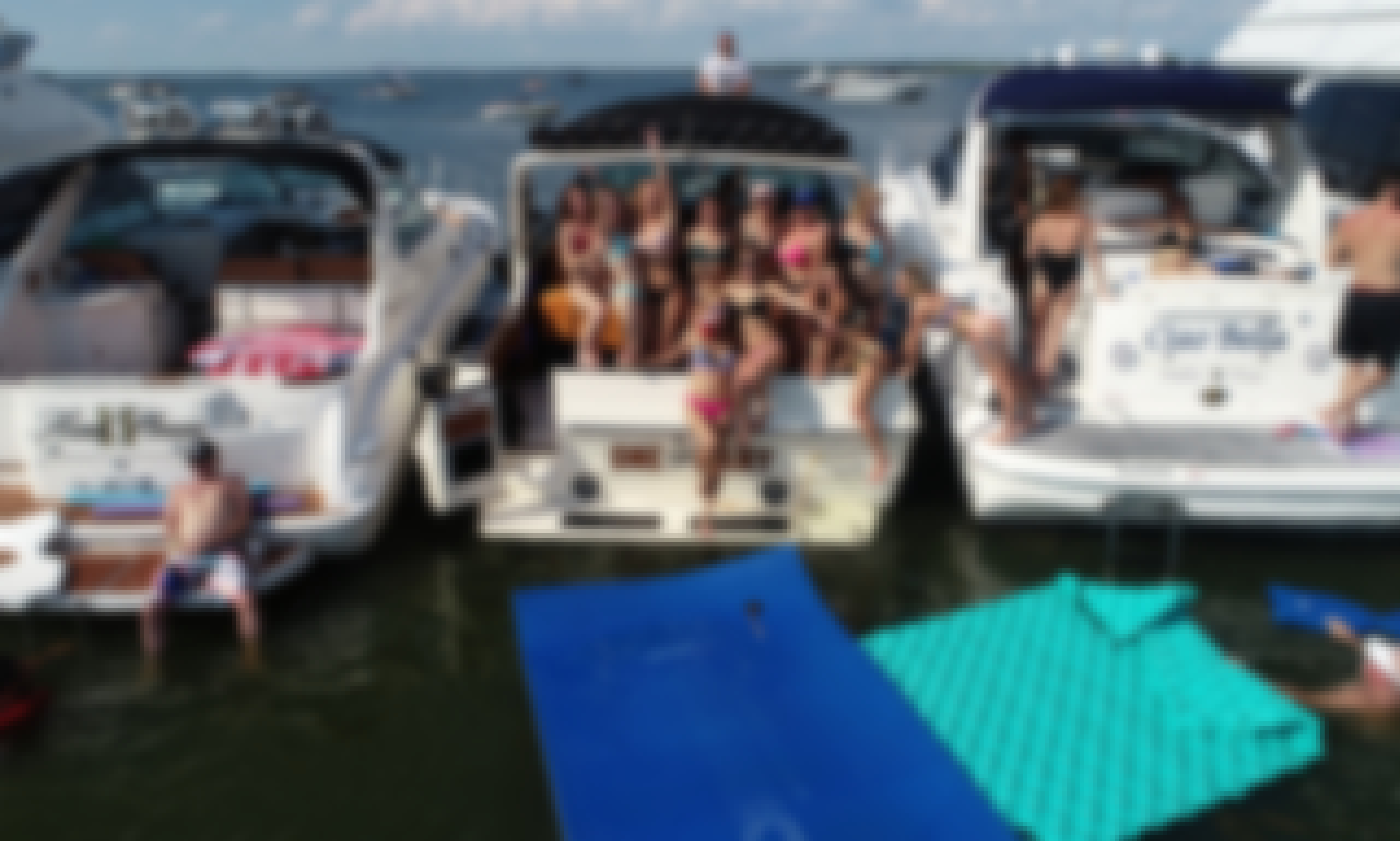 34 foot Party Boat With Killer Base. 30k Sound System.