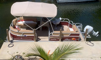 18' Party Barge Pontoon for Rent in Cudjoe Key, Florida!!! Multi Day, Week or Month. We can deliver.
