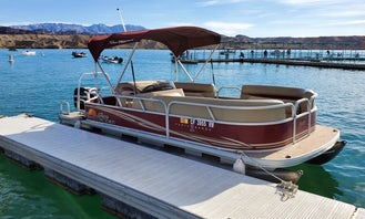 Awesome Sun Tracker 20 DLX Party Barge- Fish in Lake Havasu City