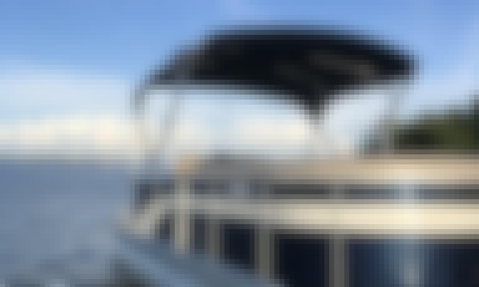 22 Bennington 150 Yamaha tritoon w/captain