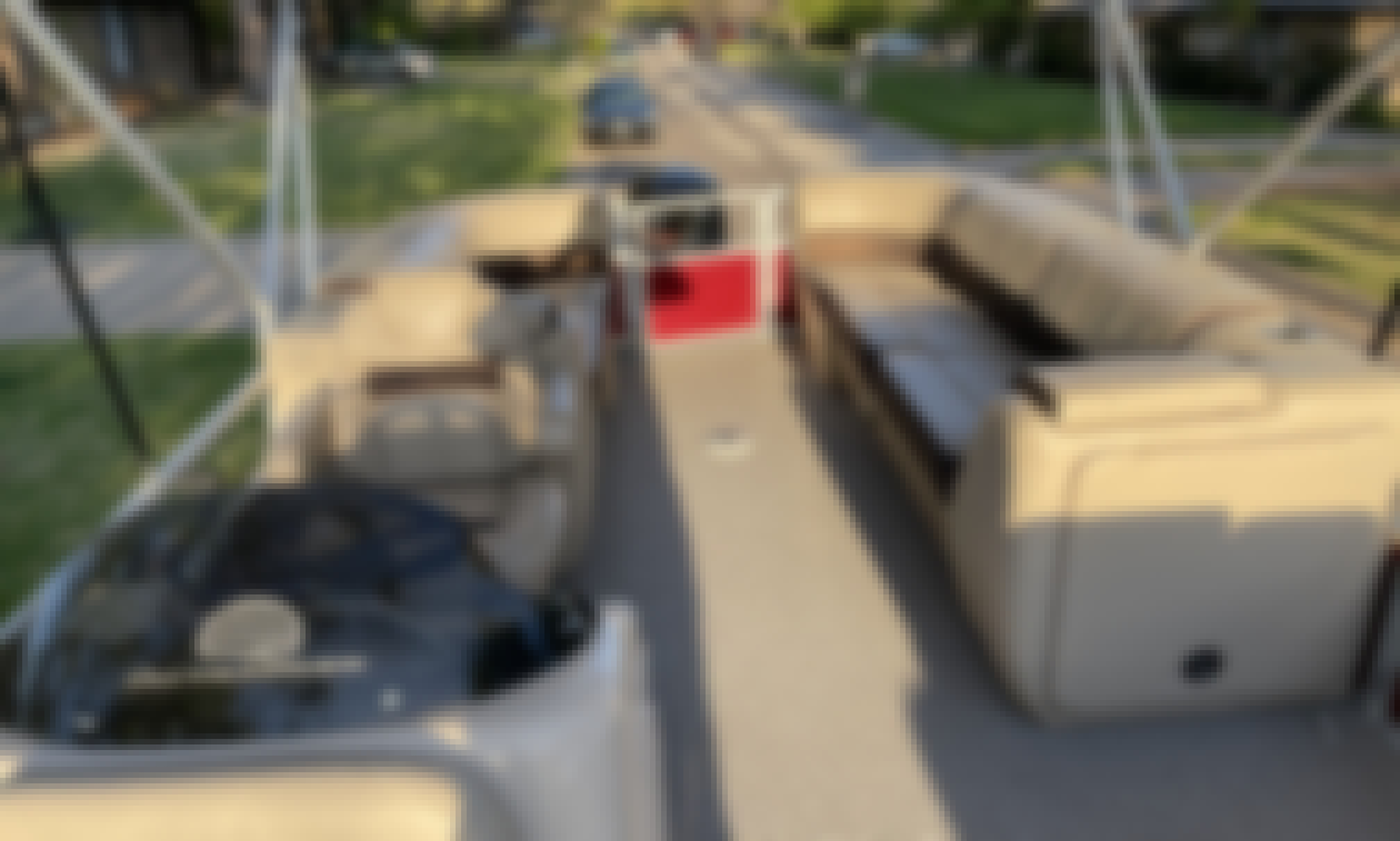 Sun Tracker 24' Pontoon Boat for Rent on Lake Texoma