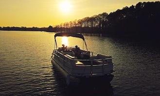 2004 Suntracker 21' Pontoon For Rent in Huntersville/Cornelius/Concord