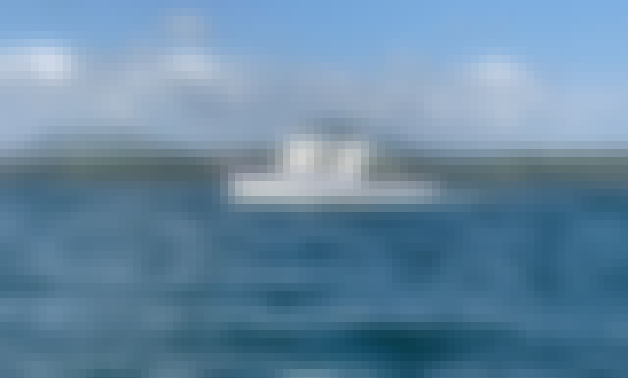 1979 62 Defender Boat Charter in Panama