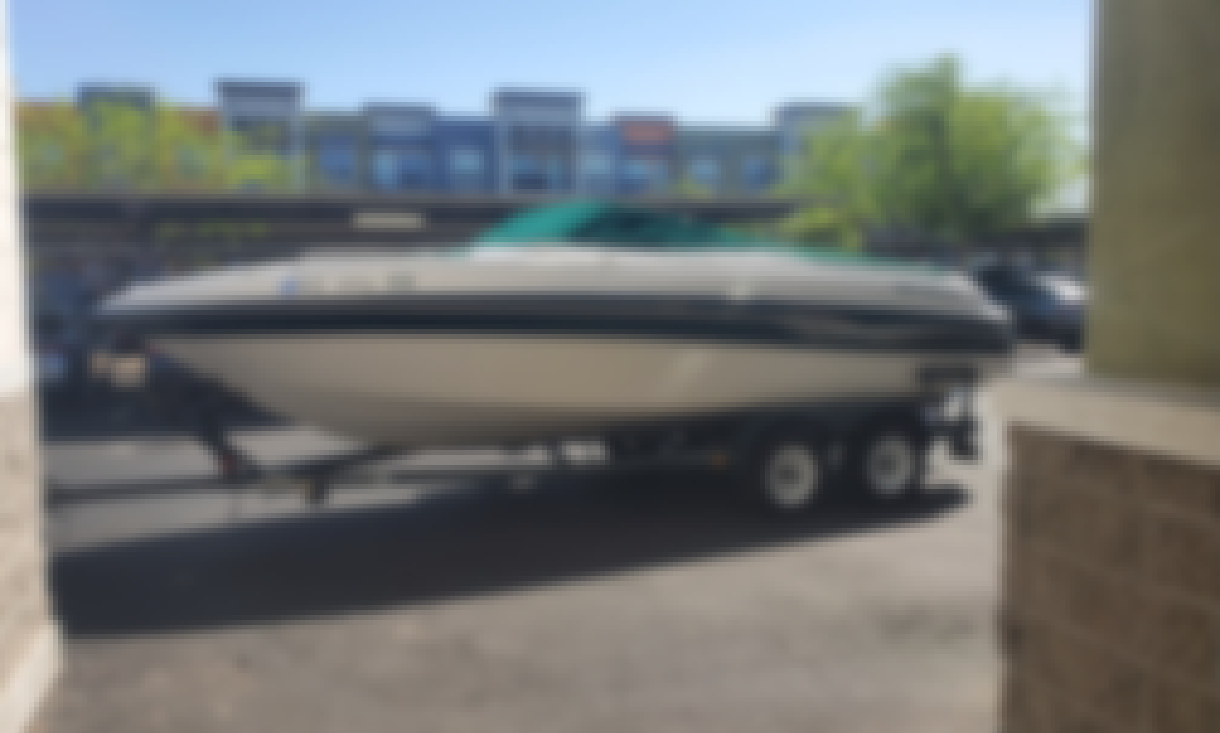 Four Winns 230 Powerboat!! up to 12 people capacity (with Banana boat)