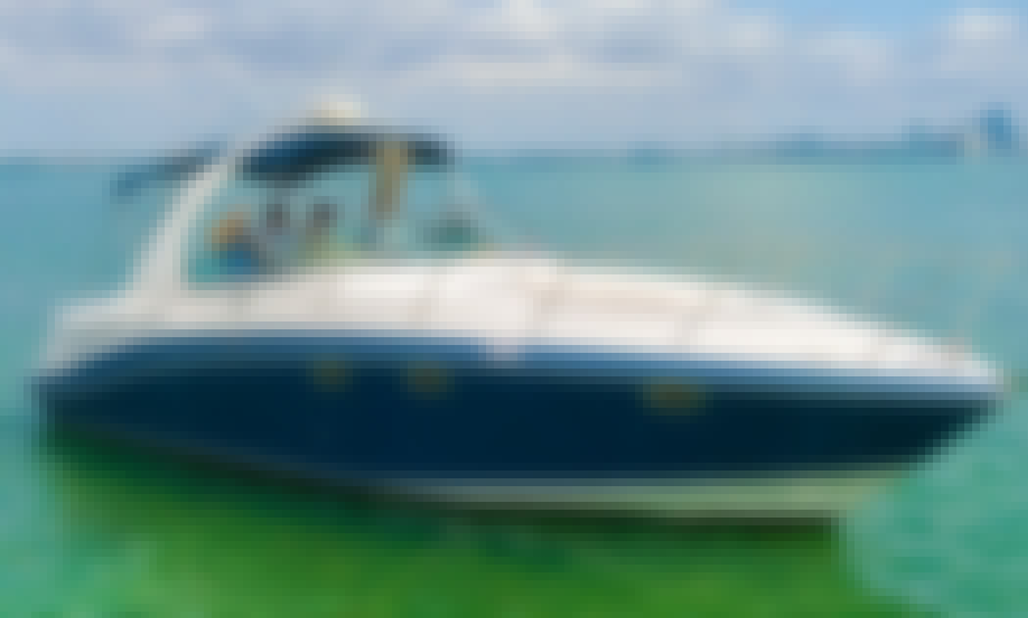 Breathtaking Yacht - Four Winns 37'