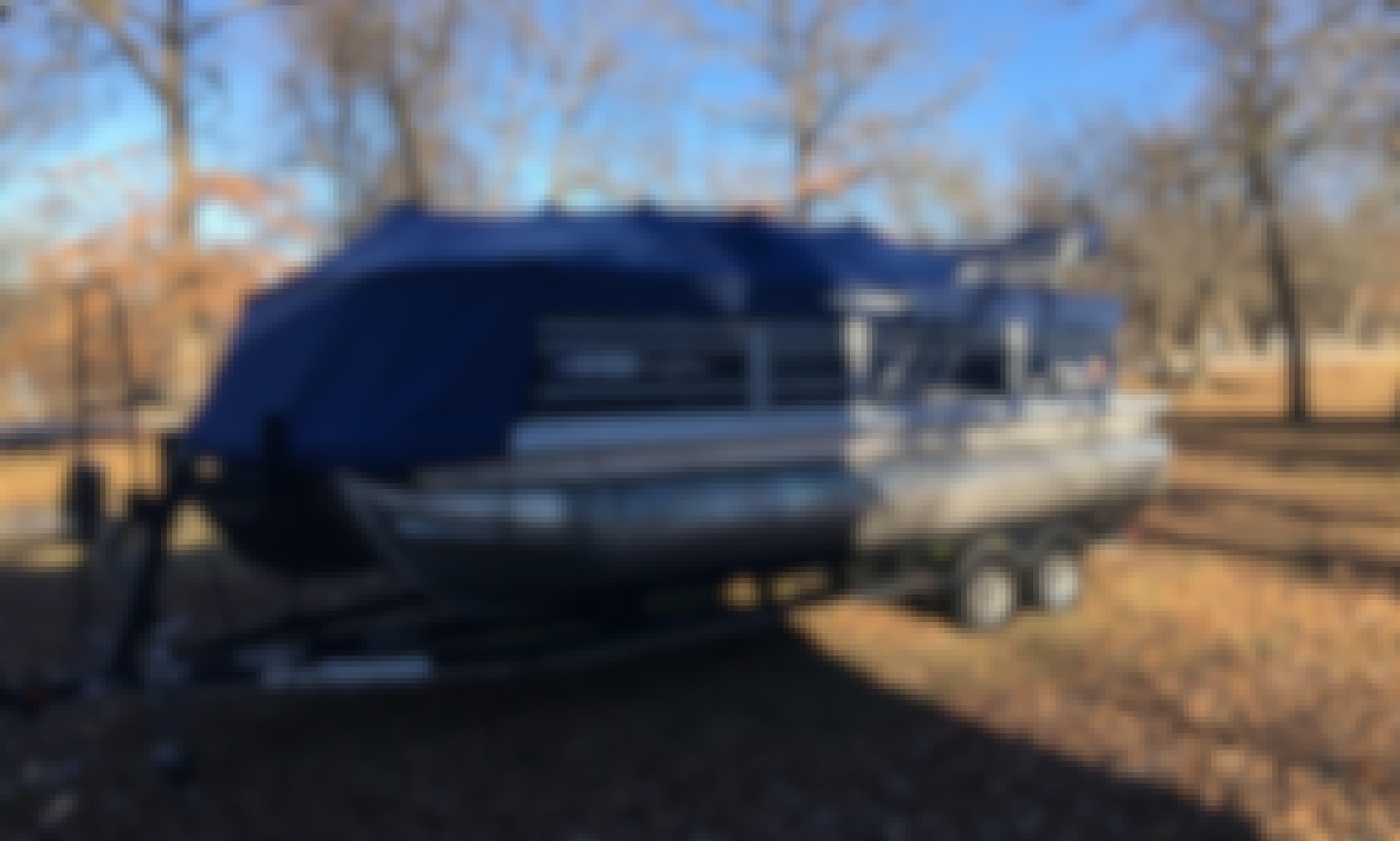 Suntracker DLX XP3 Tritoon in Collinsville