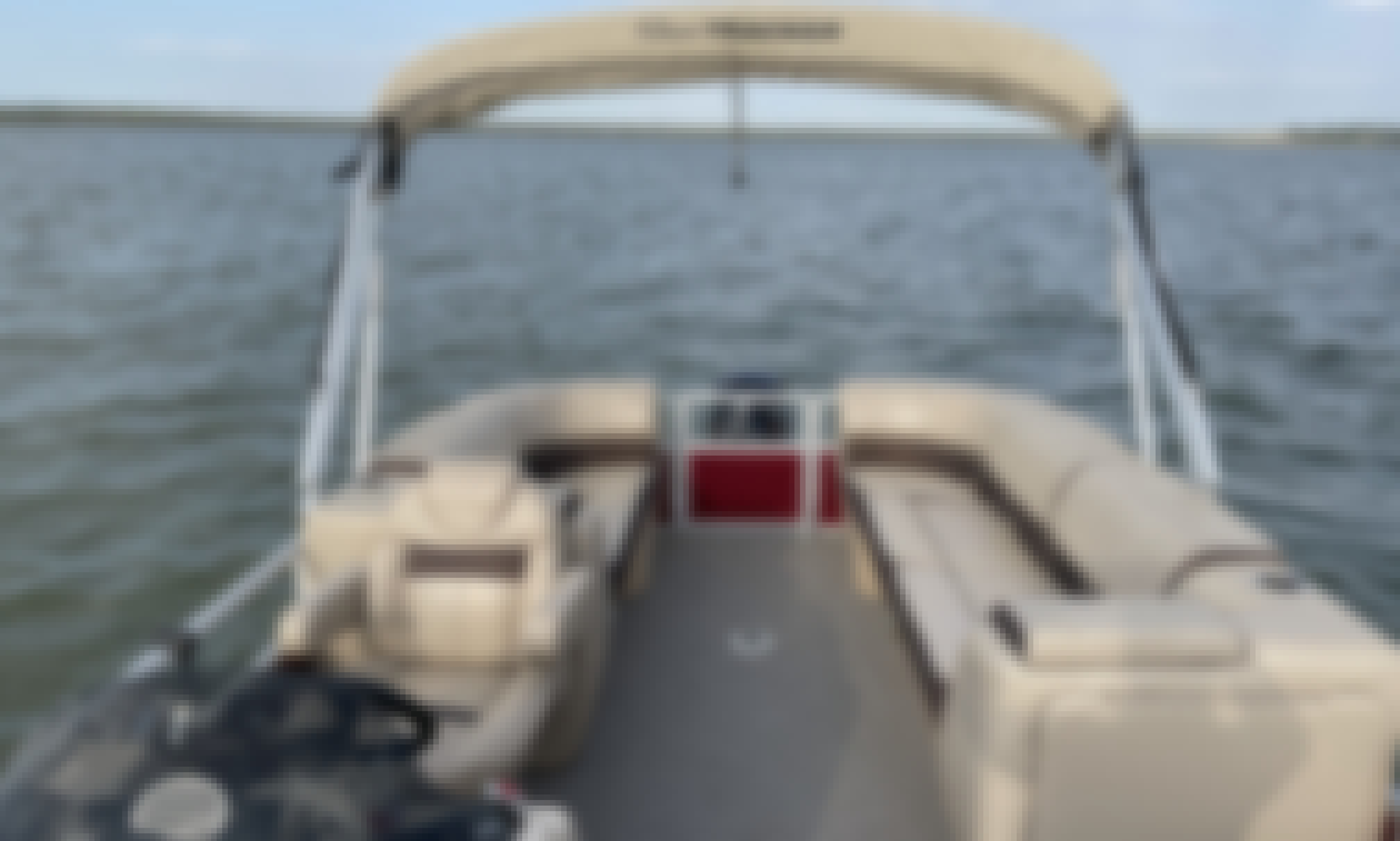 Sun Tracker 24' Pontoon Boat for Rent on Lake Granbury