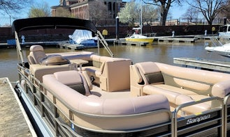 Sanpan 2500 RE Pontoon in Washington, comfort on the water.  No additional fees for the captain, no additional fees for gas.