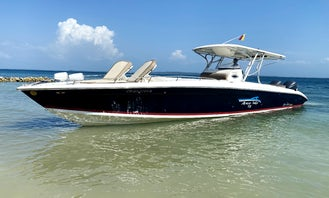 Rent boat 41ft Center Console for 20 people in Cartagena, Bolívar