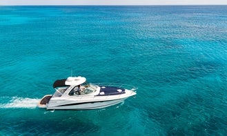 38' Four Winns Motor Yacht for up to 6 people in Playa del Carmen, Quintana Roo