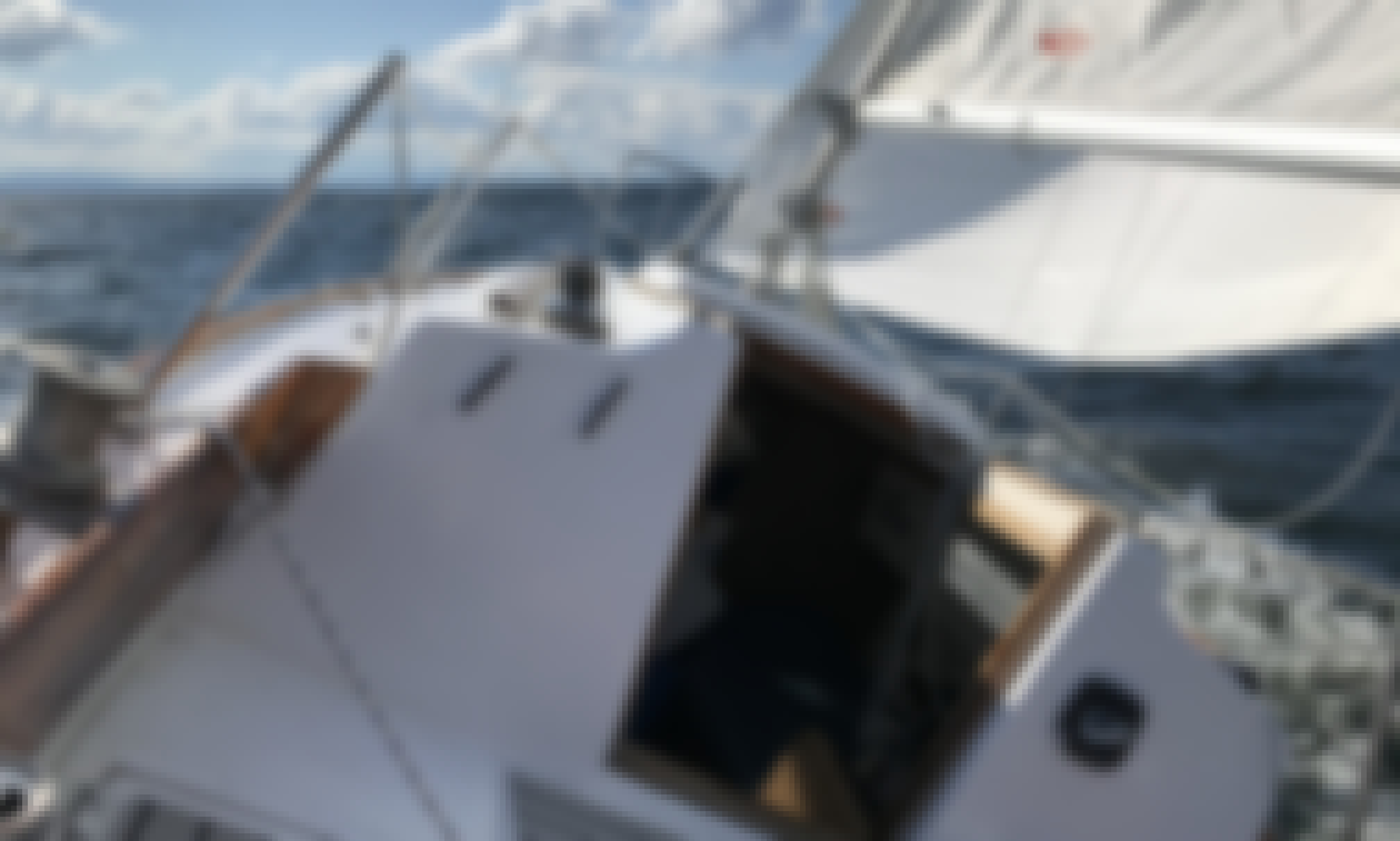 1976 Classic Sailboat Charter out of Burlington Harbor