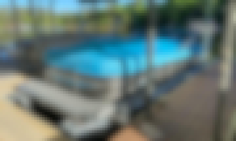 Apex Qwest Tritoon 22' New Pontoon Boat! W/ Rental Property Only