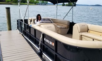 2019 Bentley 24' Pontoon boats on Lake Norman, North Carolina