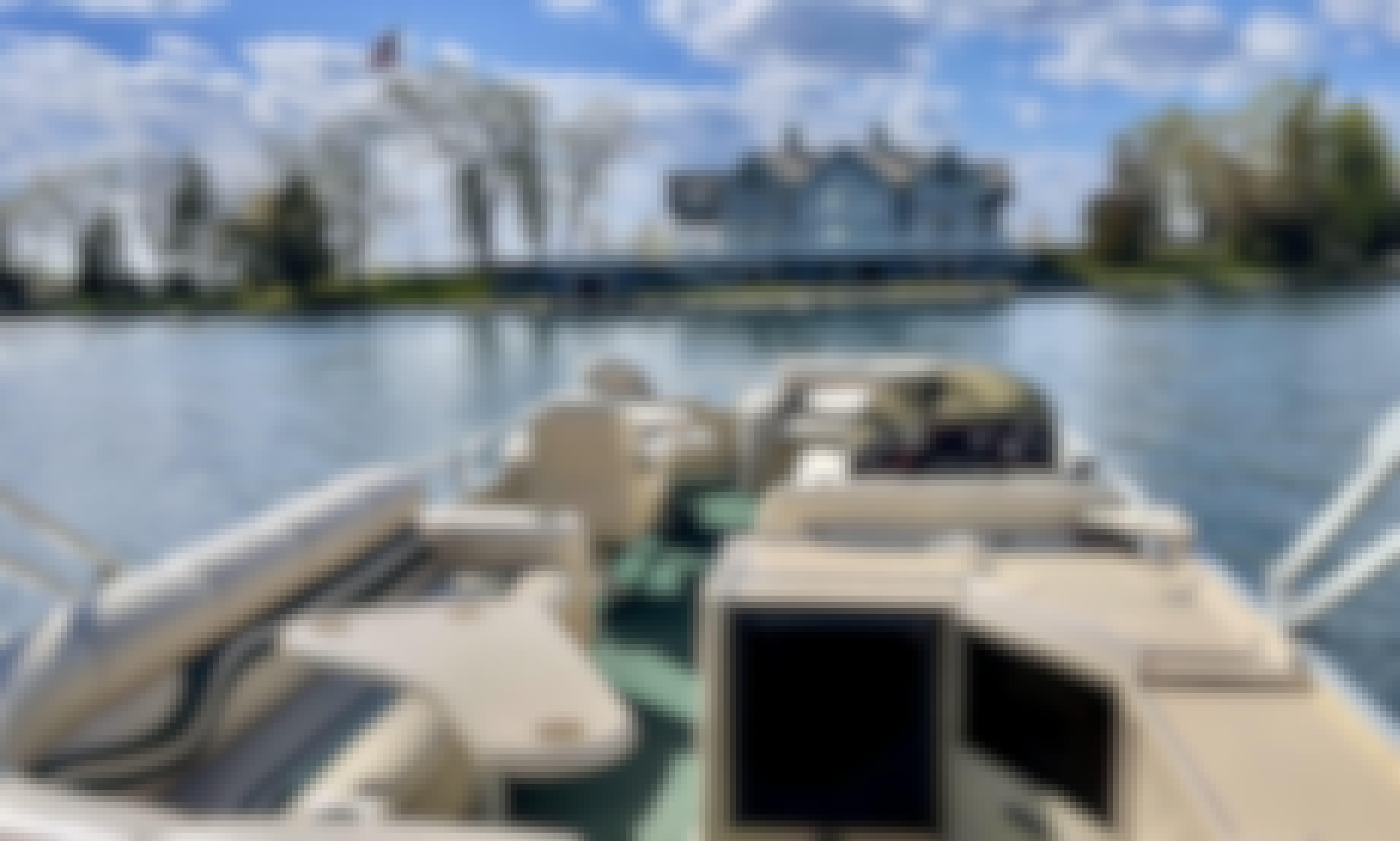 27' Luxury Premier Pontoon for Rent on Lake Minnetonka, Wayzata