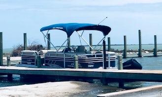22' Sun Tracker Party Barge Pontoon + Captain in Corpus Christi
