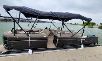 Best pontoon rental on Lake Lewisville! Weekday Specials!