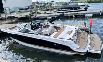 Luxury Deck Speed Boat available for Events, Date Nights and Family Outings on the Lake