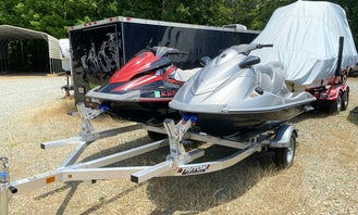 Rip-Roaring Yamaha Wave Runner Jet ski at Lake Norman
