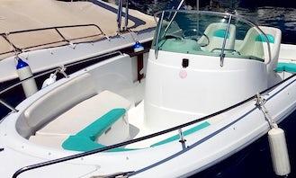 Jeanneau Cap Camarat 625 Powerboat in Torroella de Montgrí - License Required