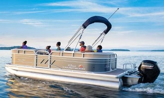 #17-Rent a  22' Sun Tracker Pontoon for 10 People in Seabrook, Texas