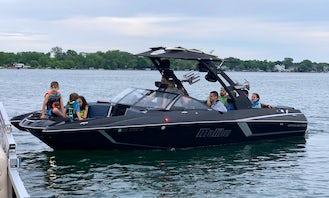 Malibu MXZ 24 Wakesurf Boat for Charter in Walled Lake