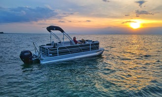 2021 Trifecta 22' Fish Tritoon with 115 HP Mercury Outboard