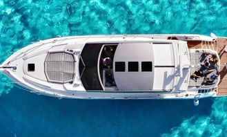 Cancun's Sunseeker 53 feet Luxury Yacht in cancun 5 hours minimun rental