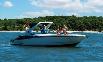 Monterey 288ss Sleek Speedboat in Sag Harbor, New York