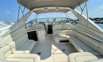 Maxum yacht - huge open seating area and bow sunpad! Ready for 2021 summer fun!