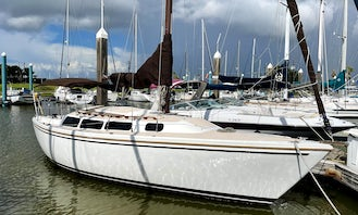 30 Catalina located in Seabrook for Galveston Bay Sailing