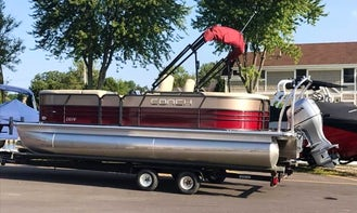 """Cruise the """" Chain of Lakes """" in style on a pontoon"""