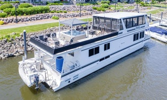 72' Skipperliner Boat In Miami for 13 people - Sea Doo included to use at no charge.