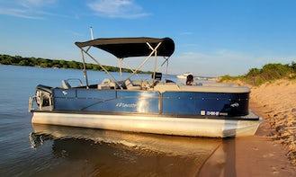 Manitou Oasis Angler Pontoon on Lake Texoma