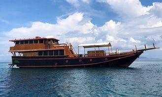 The Rutas Luxury Boat
