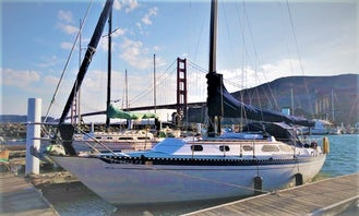 Curated Sailing Experience from the Golden Gate Bridge/Fort Baker aboard Islander 36 Sailboat