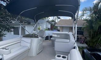 Bennington Pontoon for rent in Miami