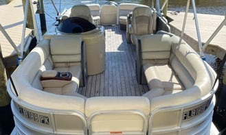 26' South Bay Tritoon for rent in SW Florida! Dockside delivery available!