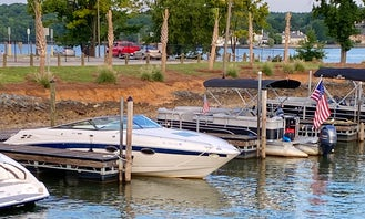 28' Chapparal Hull Craft for Cruising or Sandbar Charter in Lake Wylie